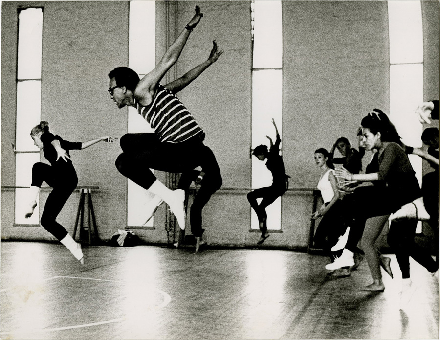Donald McKayle teaching at the International Sommerakademie des Tanz in Köln, Germany.